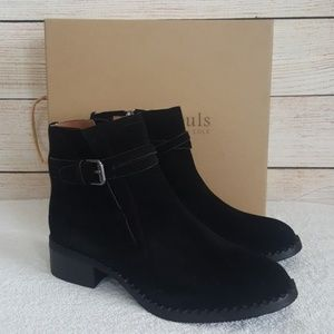 New Gentle Souls by KC Best V-Gored Booties